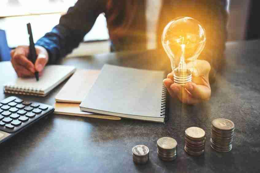Woman Lightbulb | Creative Income Streams